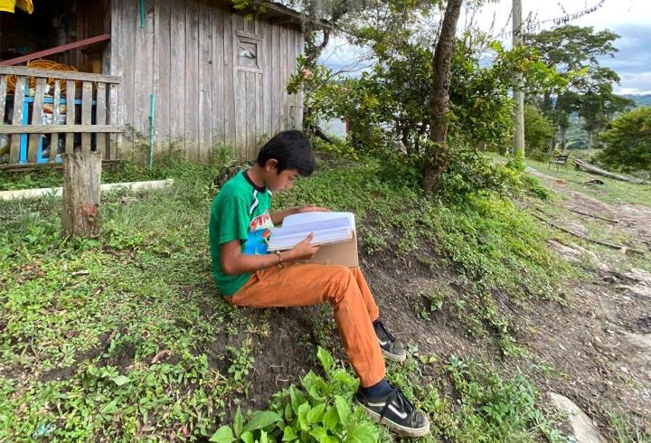 Joven estudiante en área rural del Departamento de Santander