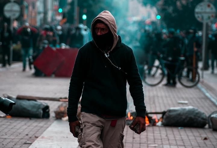 E21: se retoman los enfrentamientos de los manifestantes con el Esmad