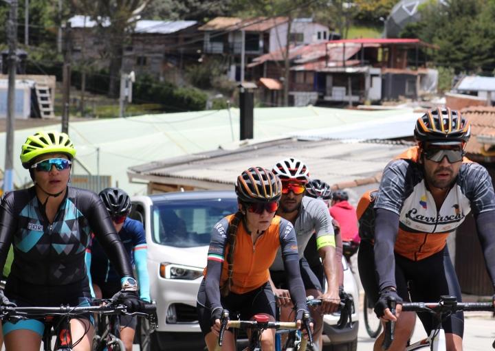 Ciclistas en Bogotá