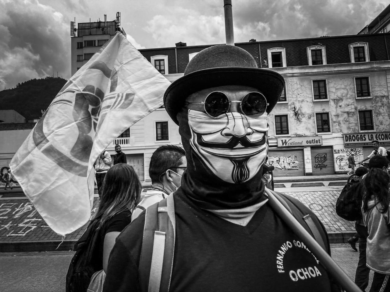 ¿Qué esta pasando en Colombia? Una invitación al libre pensar en medio del caos