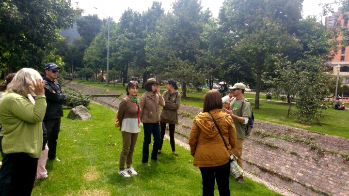 Concientización ambiental en el Parque El Virrey. Crédito fotografía: cortesía Grupo Ecomunitario