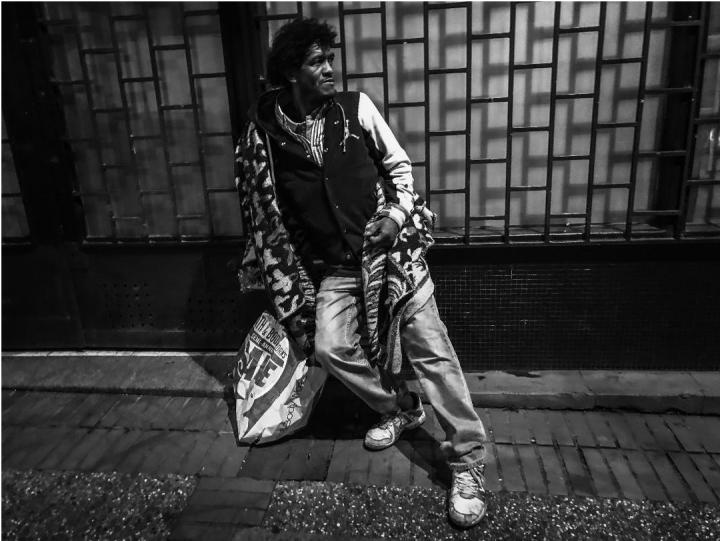 Retrato a Faber, de Cali, viviendo en las calles de Bogotá