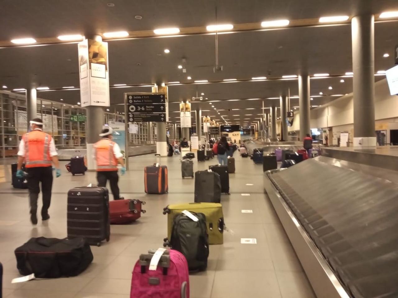 Un vuelo 'humanitario' a Colombia que de 'humanitario' sólo tiene el nombre