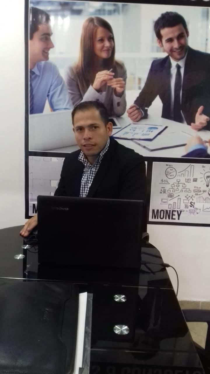 'Si me levanté de la nada de una vez, me levanto por segunda vez', Luis Quintero, inmigrante venezolano y analista financiero