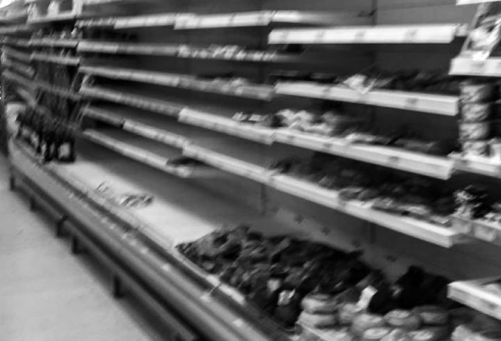 [Parte II] Borrosas muestras del miedo colectivo. En la imagen: Supermercado en Facatativá.