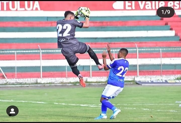 """""""Ahora creo que el sueño de cualquiera sería llegar al fútbol europeo"""", Andrés Salazar, futbolista profesional"""
