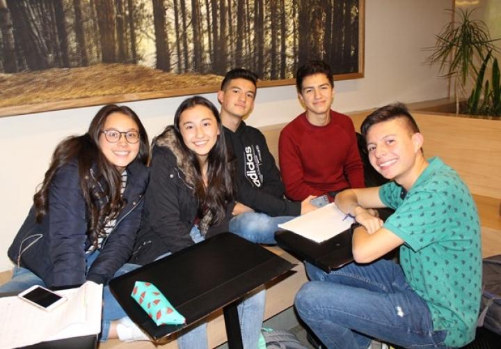 Generación E, un incentivo para estudiantes de escasos recursos que desean acceder a la universidad