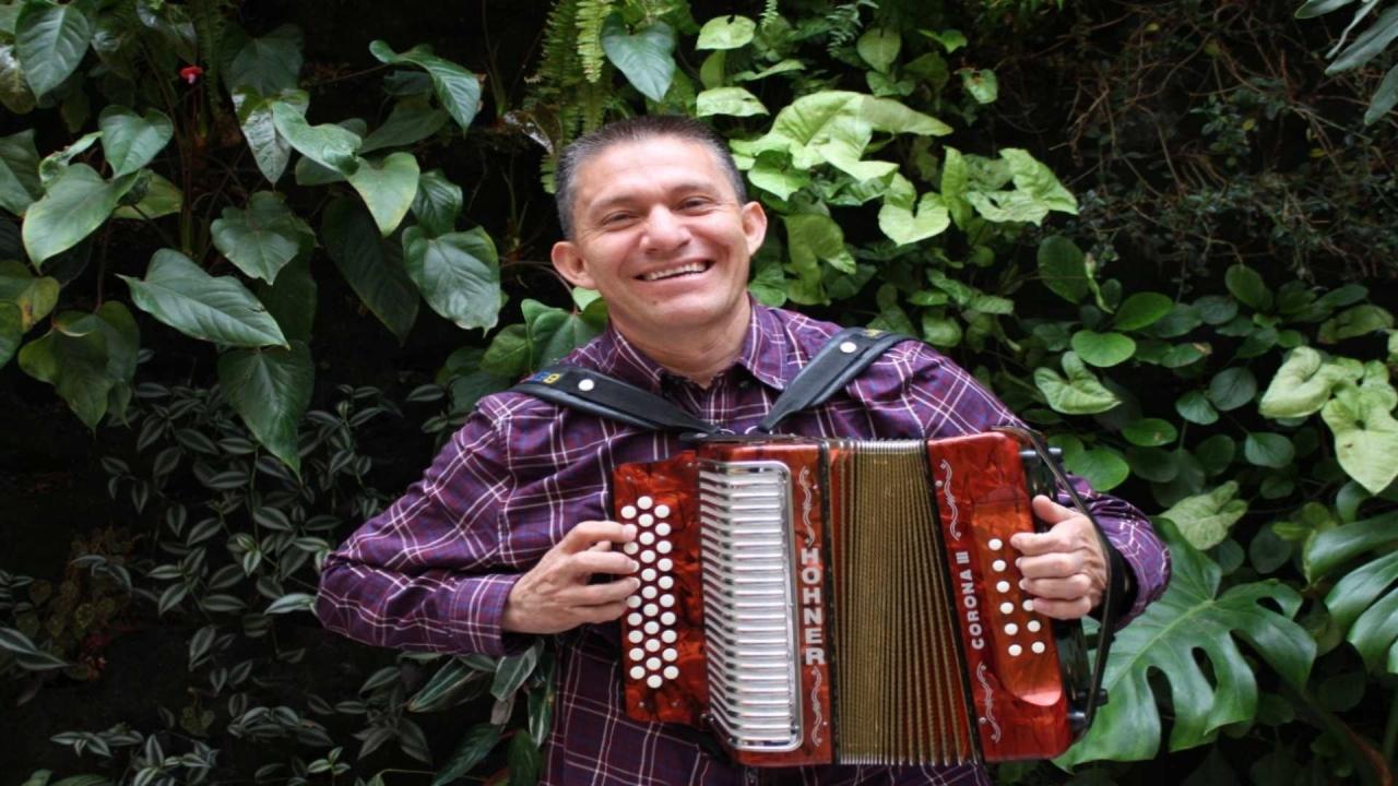 Los cachacos podemos tocar bien la música vallenata: Beto Jamaica