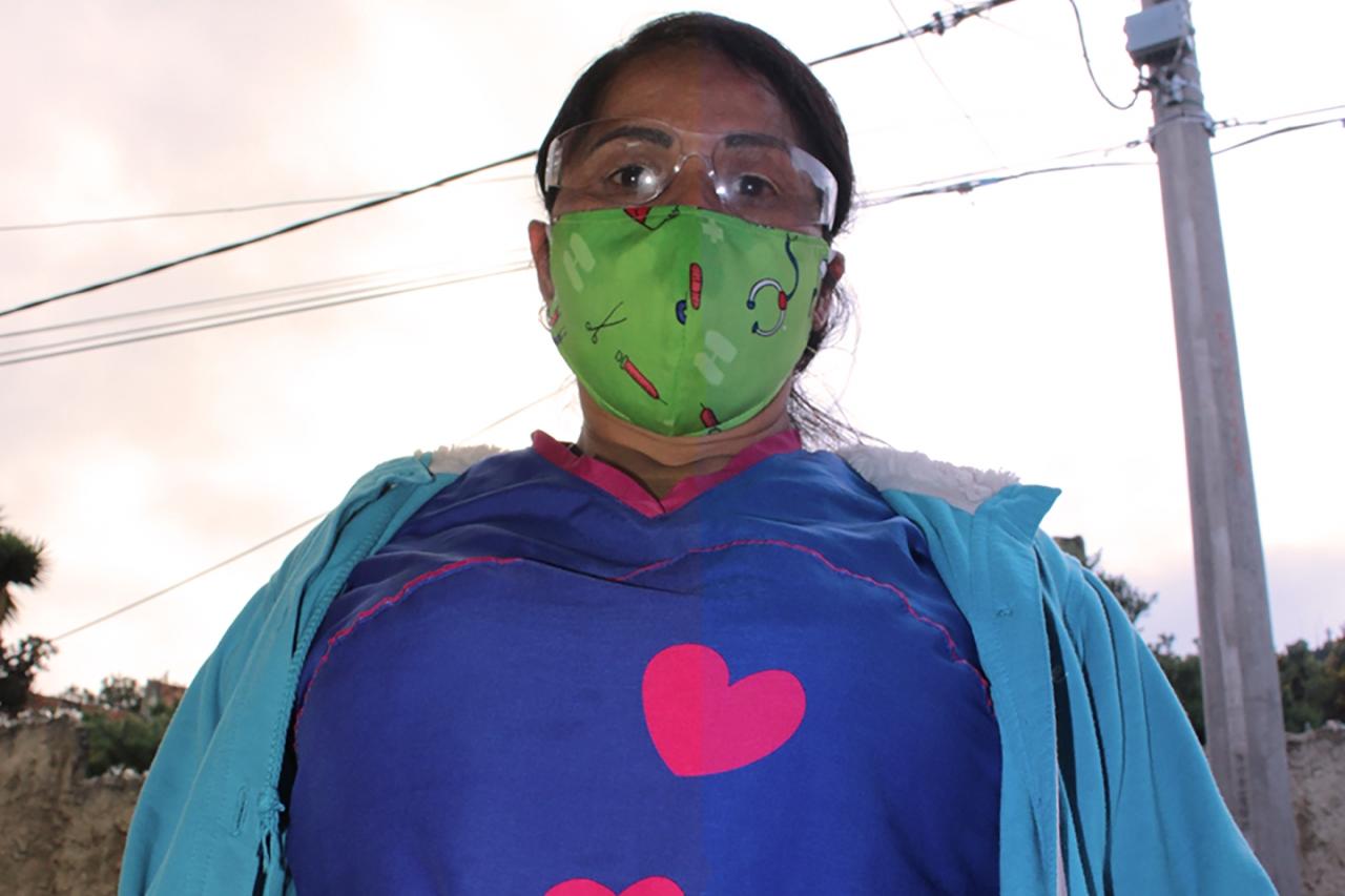 María, entre la vocación de ser madre y enfermera, en una pandemia