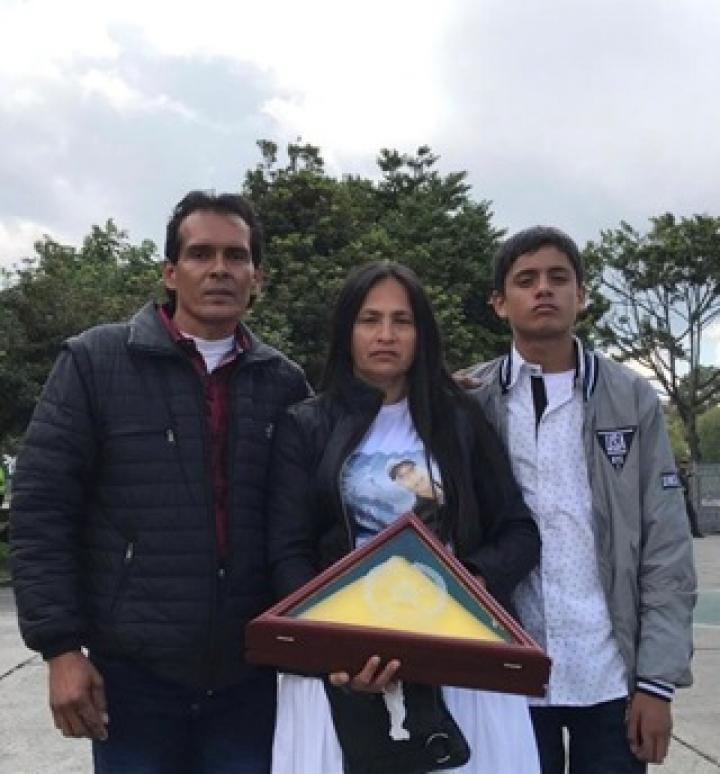 Familia de Alan Paul Bayona en su funeral. Enero de 2019.