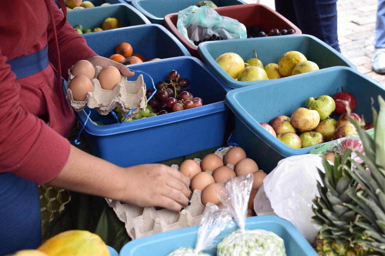 De la tierra a su mano: los mercados campesinos de Bogotá