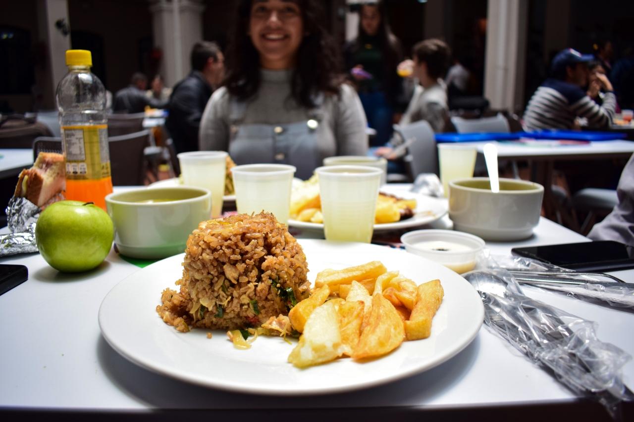 ¿Cómo se alimentan los universitarios en el centro de Bogotá?