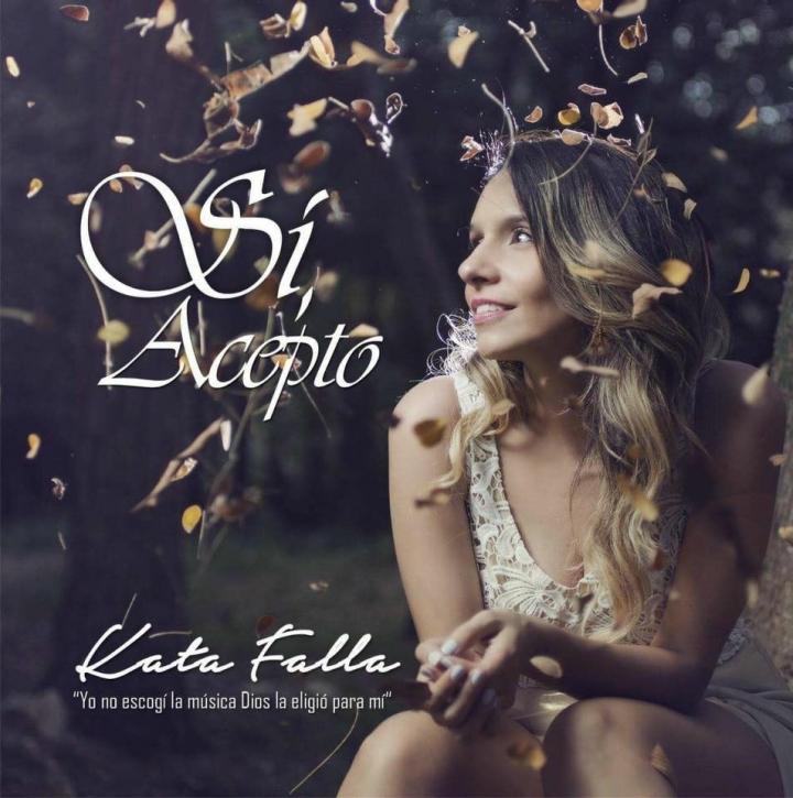 "Carátula del primer sencillo de Kata Falla ""Si acepto"". Foto: Elías Shariff Falla Mardini"