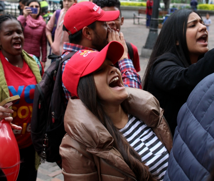 Entre aplausos y abucheos se vivió el debate presidencial