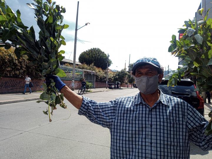 Foto: La mayoría de los vendedores informales, a pesar del aislamiento preventivo, siguen en las calles para conseguir su sustento diario.
