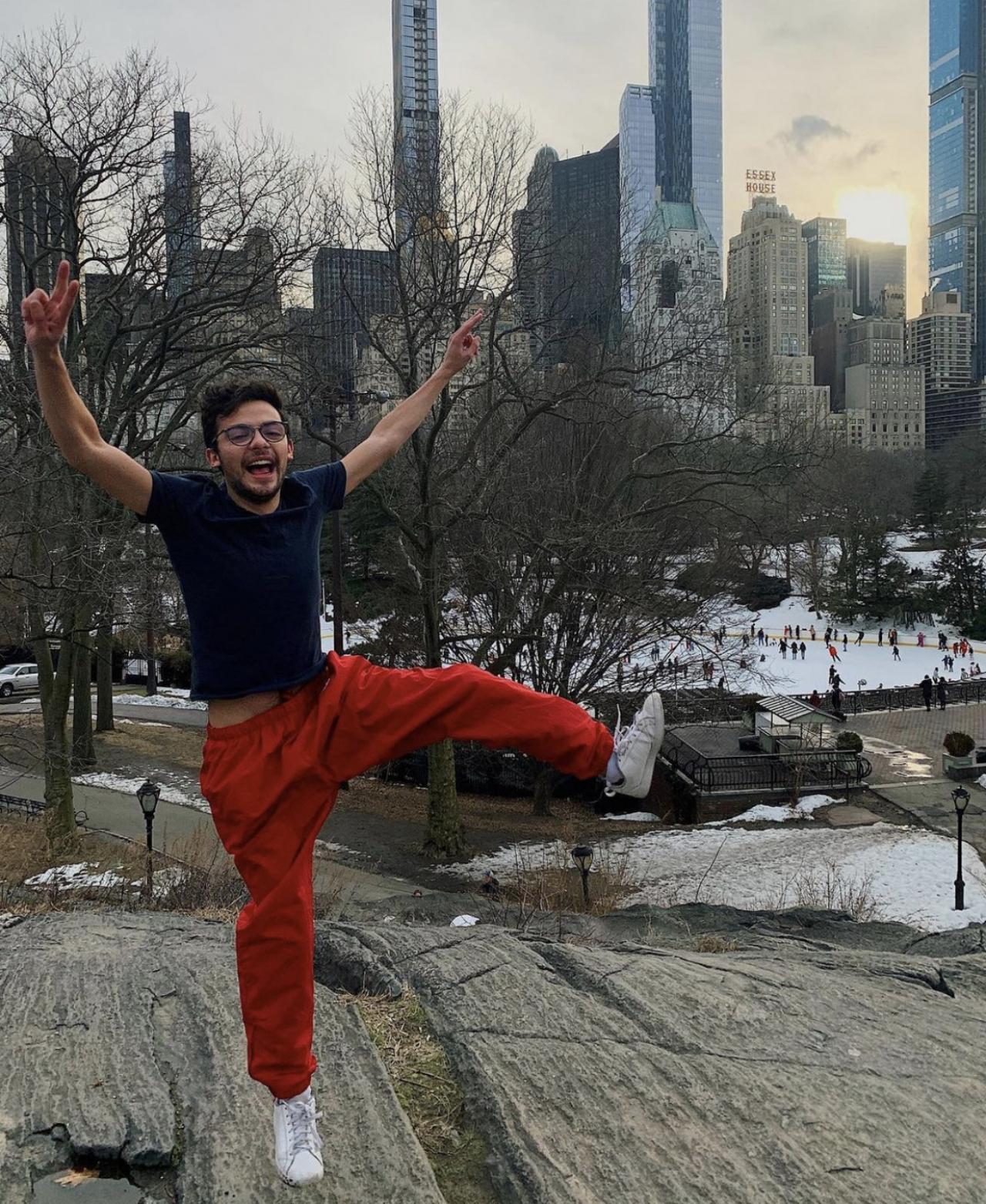 Daniel Londoño, 'Itslondi, convierte Tik Tok en un lugar seguro para la comunidad LGBT