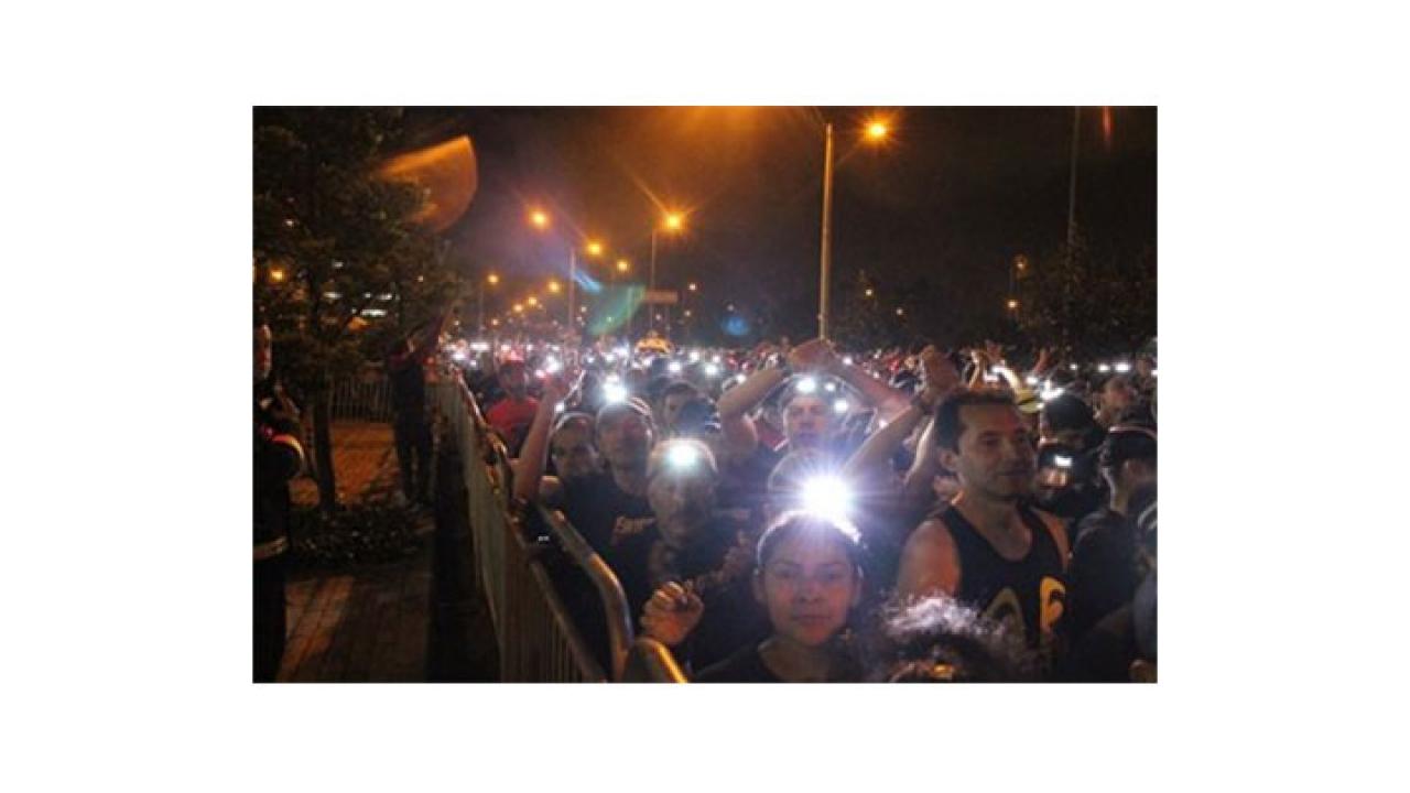Carrera nocturna 10K Energizer lleva luz a las comunidades