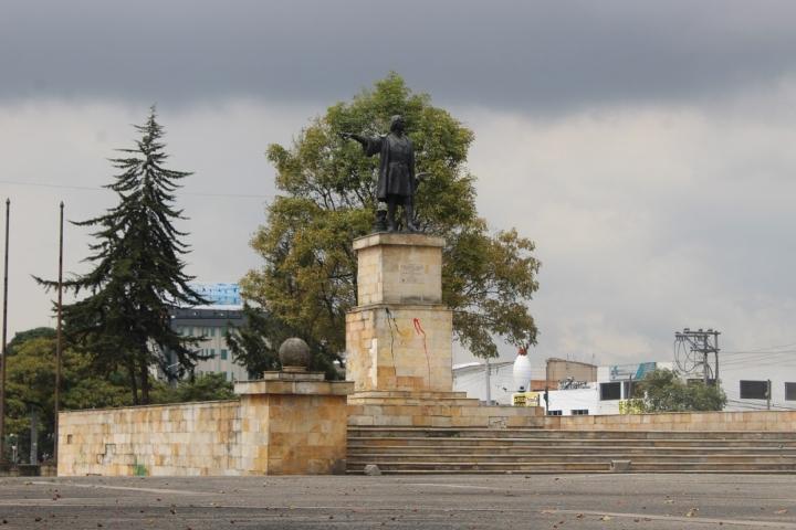Colón y la reina Isabel de Castilla: De conquistadores a esculturas