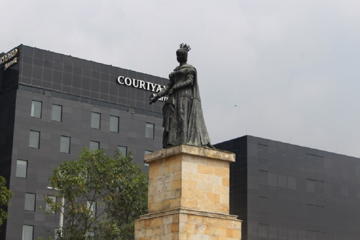 Monumento a Isabel la Católica y Cristóbal Colón