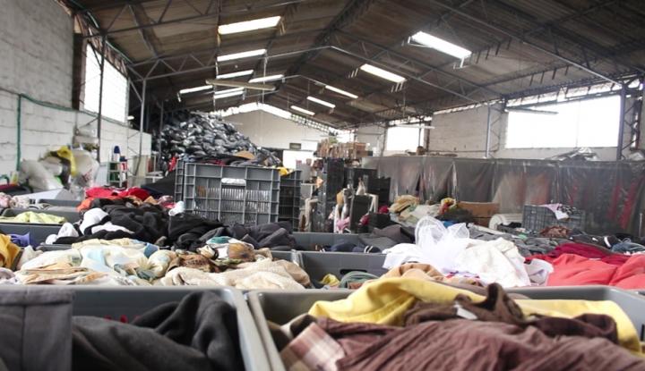 El banco de ropa más grande del país.