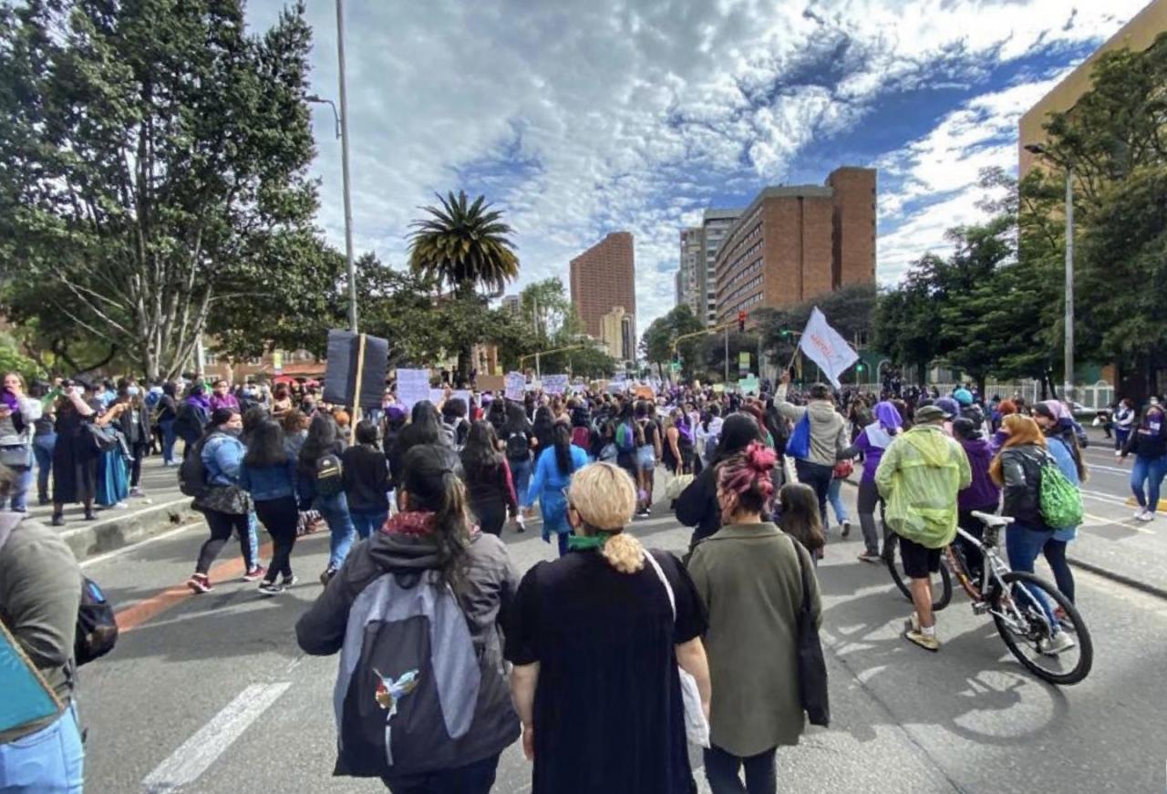 El #8M no se resumió en vandalismo, más de mil de mujeres se movilizaron pacíficamente en Bogotá