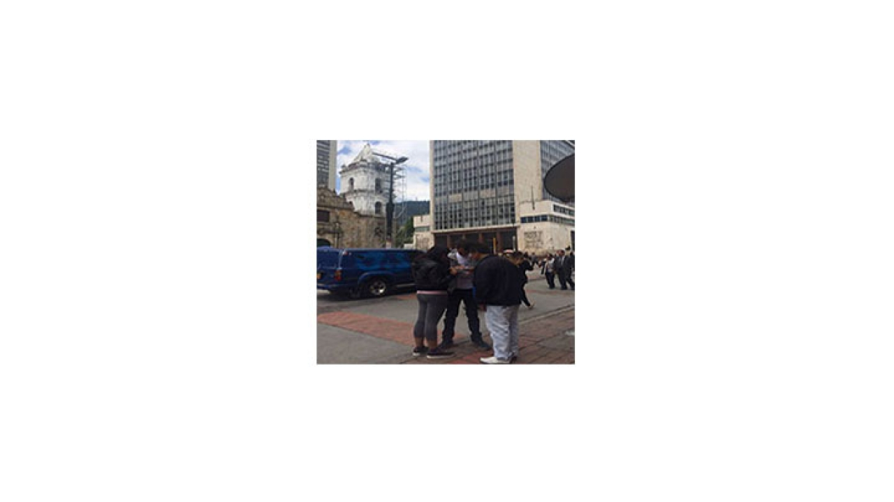 Nuevo decreto limita el trabajo de los esmeralderos informales