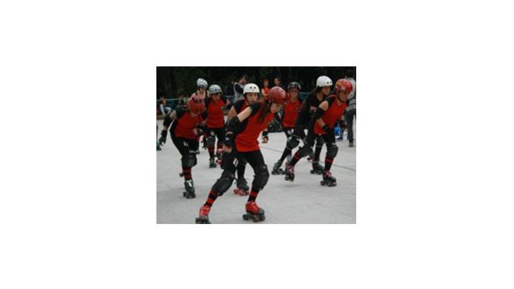 Rock & Roller Queens, entrenando en el patinódromo del Parque Nacional.
