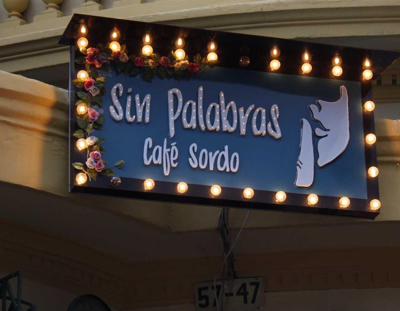 Sin Palabras, primer café bar para sordos en Colombia