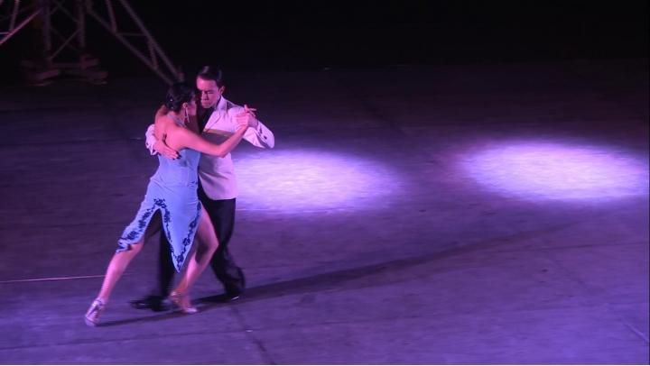 """""""Una Emoción"""": documental sobre el abrazo del tango"""