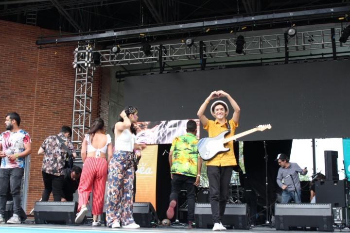 Rodrigo, guitarrista de Tropicácidos.