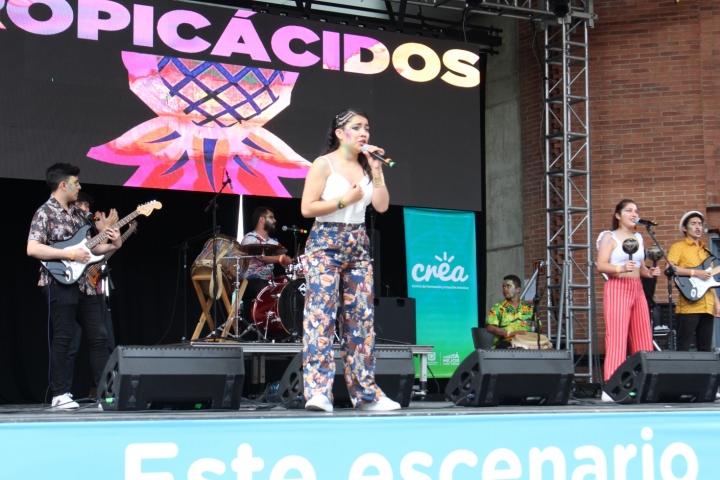 Presentación de Tropicácidos en el festival Tortazo Crea.