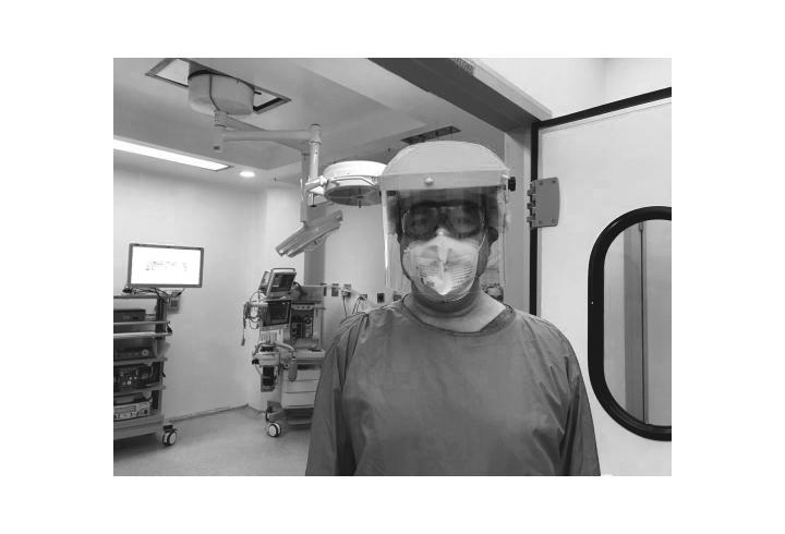Un médico en el Hospital Reina Sofía