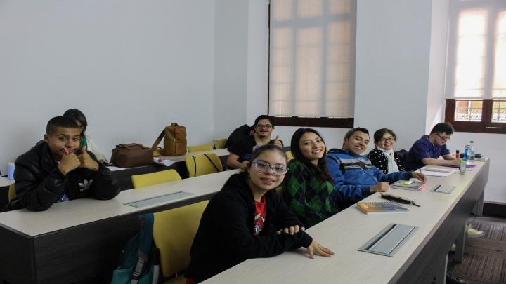 Estudiantes programa 'Transición es Crecer'