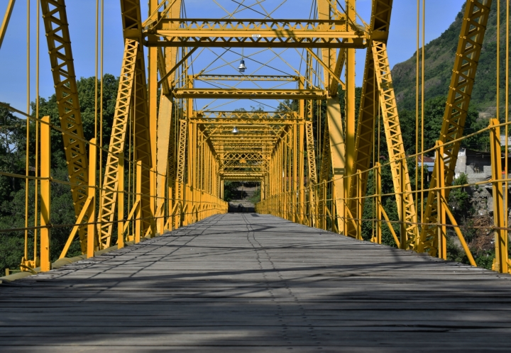 El Puente Navarro, construido por la San Francisco Bridge Company