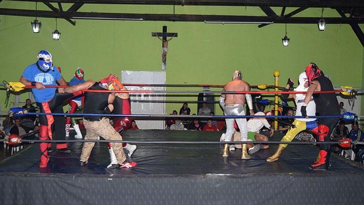Batalla campal en la Arena San Fernando