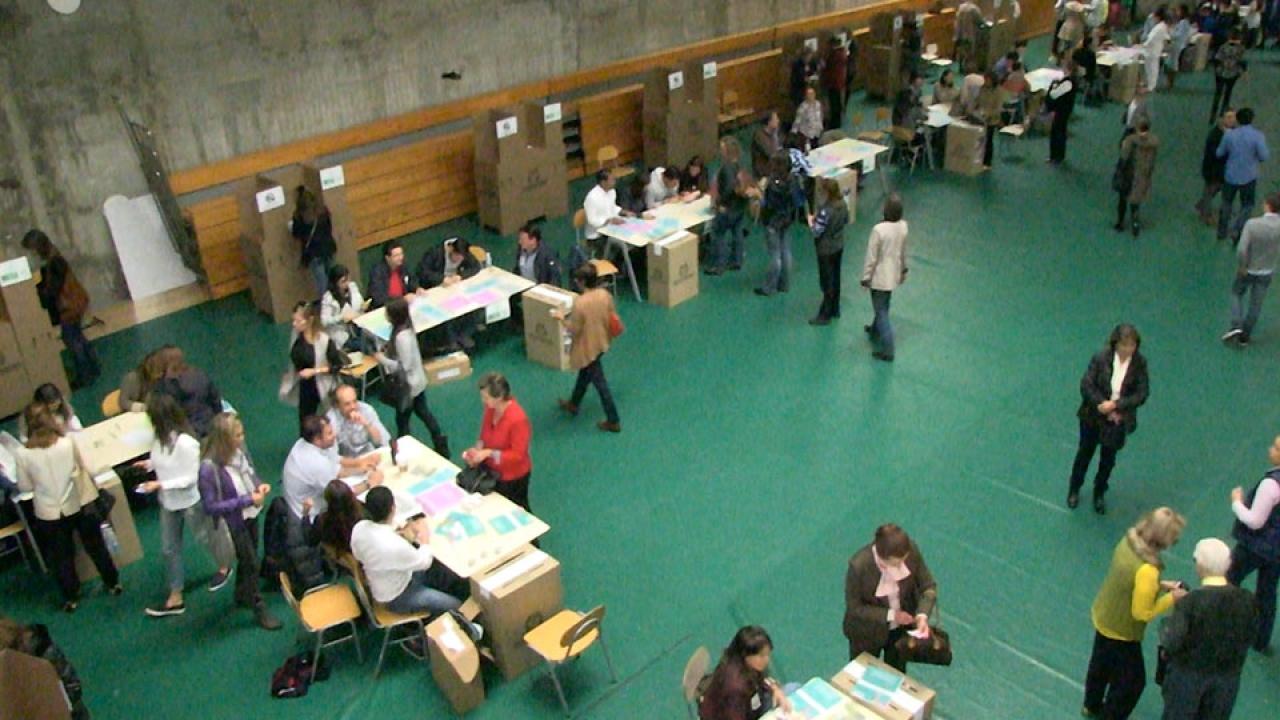 Así transcurrió la jornada de votación en el Liceo Francés
