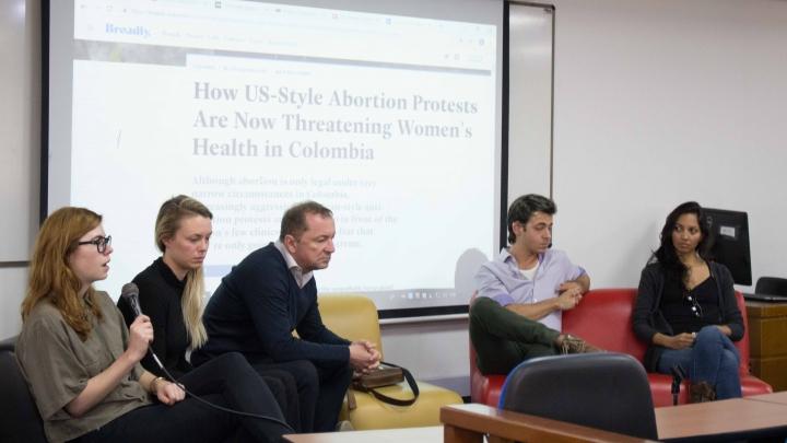 Freelancers compartiendo sus experiencias profesionales en la Universidad del Rosario. Foto de: Karen Sánchez