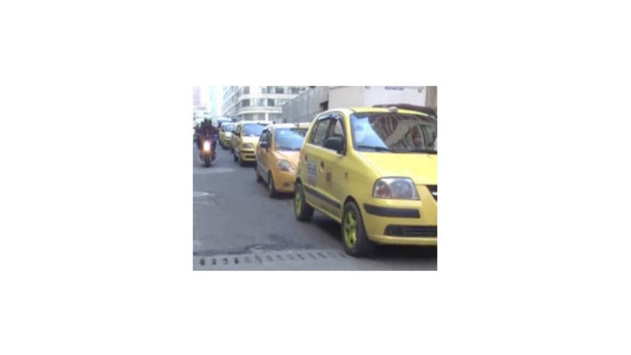 Agresión de taxistas solicitados a través de aplicaciones móviles