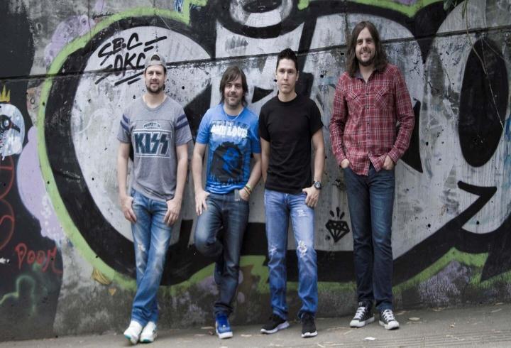 Banda de rock Tr3s de Corazón