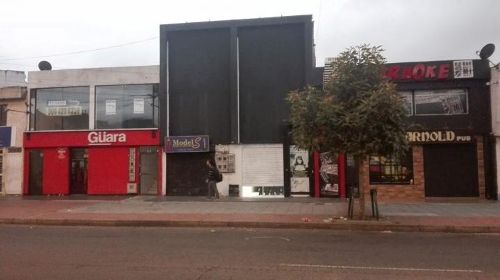 Decenas de bares ruidosos se apoderaron del barrio Las Margaritas. Foto: María Paula Sierra