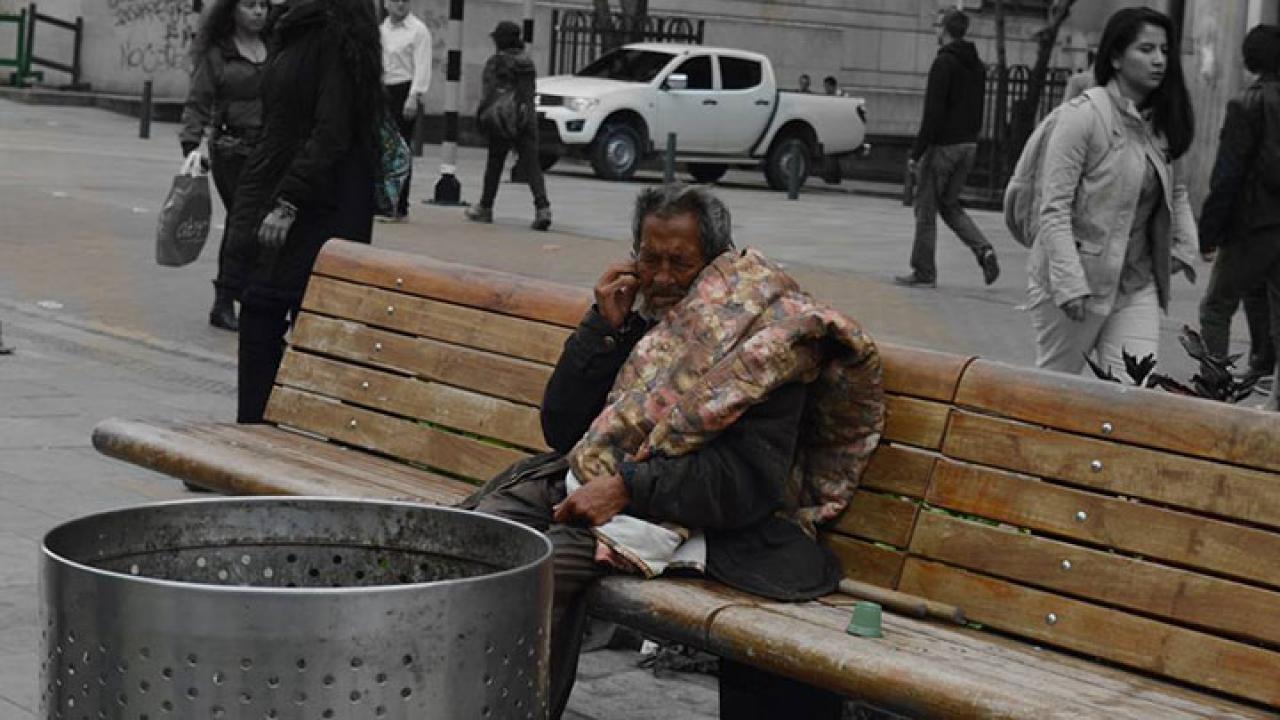 Un día en un hogar de paso para ancianos en estado de indigencia