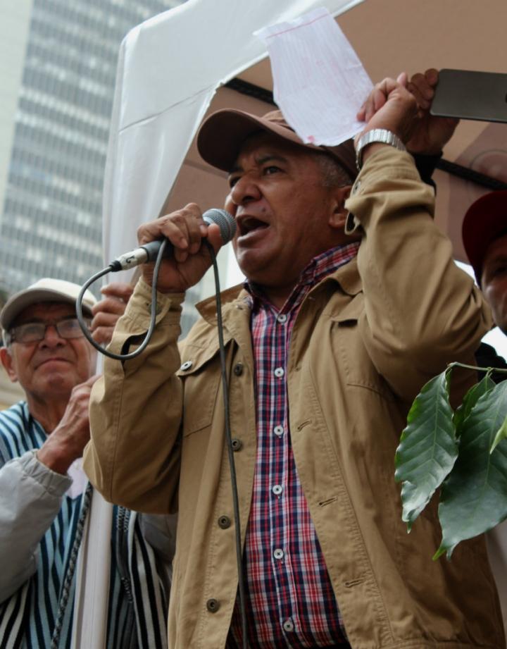 Armando Acuña, representante de los cafeteros frente al Ministerio de Agricultura. Foto: Laura Lucía González