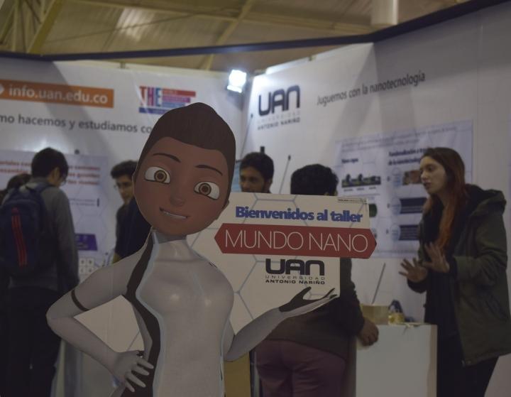 La Universidad Antonio Nariño estuvo en la feria dando a conocer su proyecto en Nanotecnología