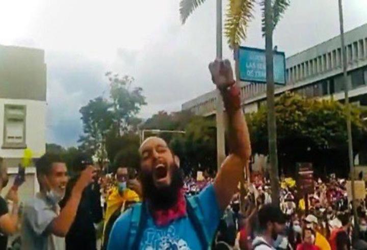 Lucas Villa en protesta