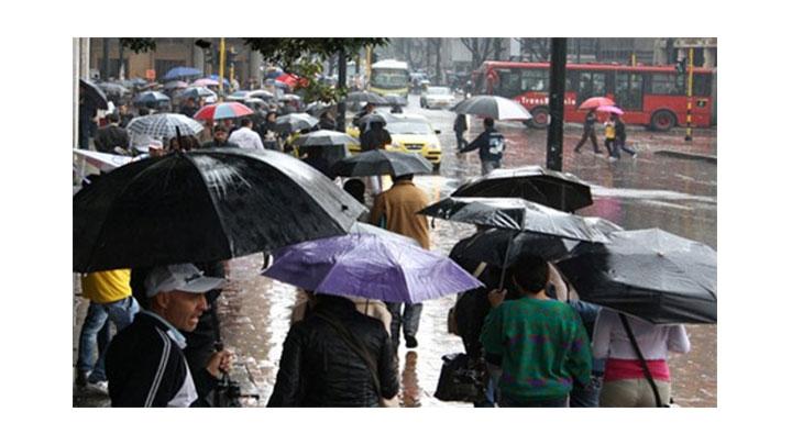 Los bogotanos en alerta por el incremento de fuertes aguaceros en la capital