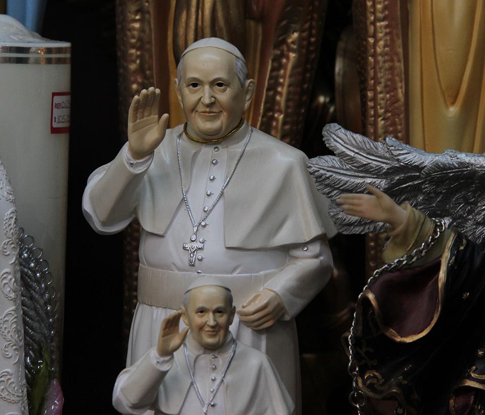 Comercio Papal, ¿solo para mayores?