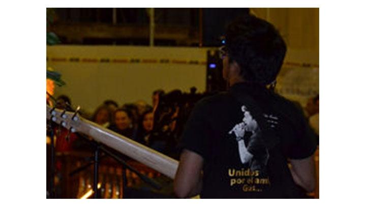 La vigilia contó con la asistencia del Padre Alberto Linero y el Padre Diego Jaramillo.