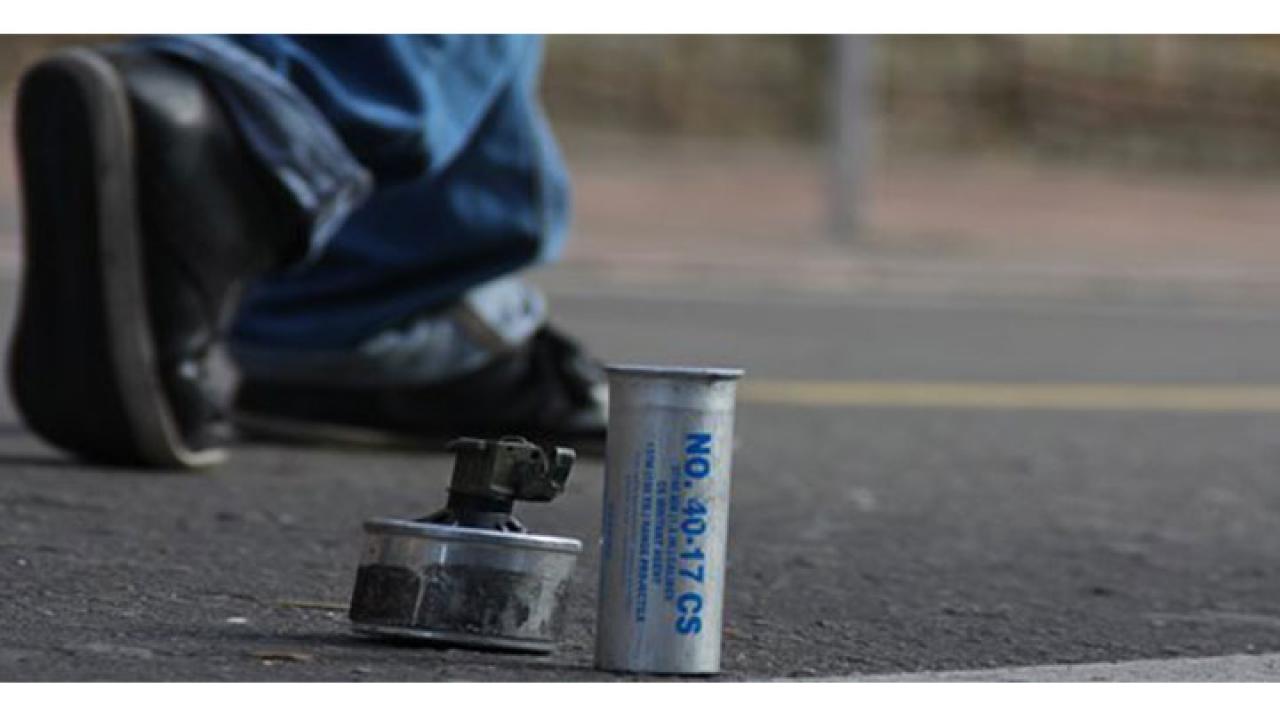 Vida y muerte de un gas lacrimógeno