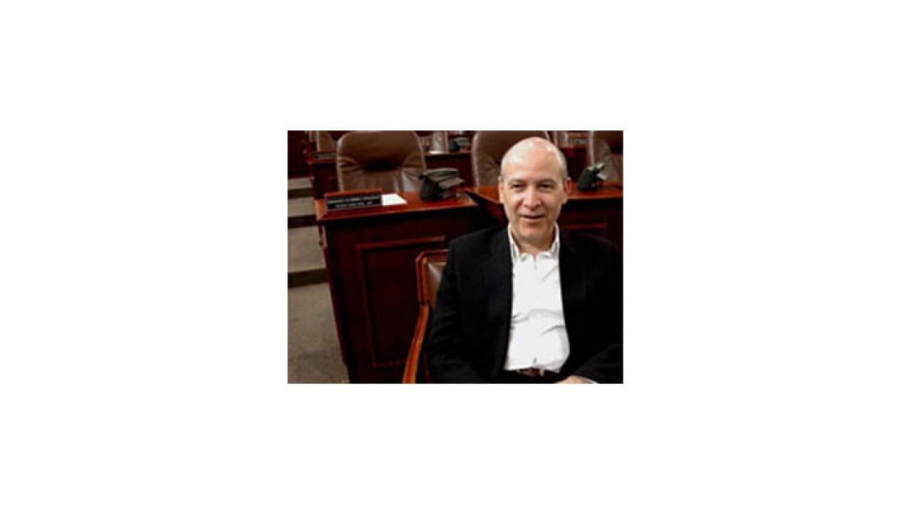 Y qué le espera a Vicente de Roux como nuevo concejal de Bogotá
