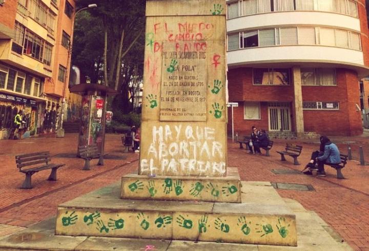 Estatua La Pola, La Candelaria, Bogotá D.C